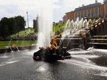 Grande cascata del palazzo di Pertergof immagini stock
