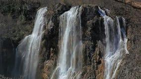 Grande cascata nei laghi parco nazionale, Croazia Plitvice stock footage
