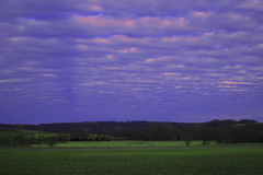 Grande cielo dell'azienda agricola Fotografie Stock Libere da Diritti