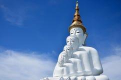 Grande cinque bianco Buddha a Wat Pha Sorn Kaew Fotografia Stock Libera da Diritti