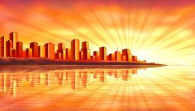 Grande città di tramonto sopra acqua Fotografie Stock
