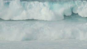 Grande clip marina infuriantesi 2 delle onde al rallentatore - di 3 stock footage