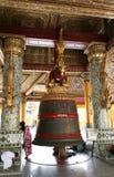 Grande cloche dans la pagoda de Shwedagon, Yangon Images libres de droits