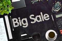 Grande concetto di vendita sulla lavagna nera rappresentazione 3d Fotografie Stock