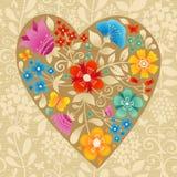Grande coração do ocre com flores em um fundo sem emenda claro. Fotografia de Stock Royalty Free
