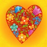 Grande coração vermelho com flores em um fundo sem emenda brilhante. Imagens de Stock