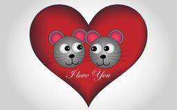 Grande cuore con un'iscrizione dell'oro e un topo degli amanti Immagine Stock