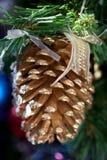 Grande decorazione del cono del pino Immagine Stock Libera da Diritti