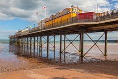 Grande destination britannique de vacances de plage de pilier de bord de la mer images libres de droits