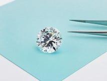 Grande diamante su Tiffany Blue Background fotografie stock libere da diritti