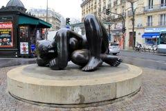 A grande escultura intitula 'Harmonie' no centro de throughway, Paris, França, 2016 Fotos de Stock