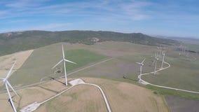 Grande exploração agrícola de vento, vista aérea vídeos de arquivo