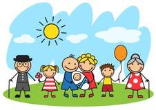 Grande famille de bande dessinée se tenant sur la pelouse Photo stock