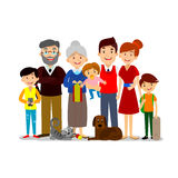 Grande famille heureuse Parents avec des enfants Père, mère, enfants, grand-papa, grand-maman, chien et chat Image stock