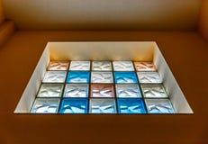 Grande fenêtre constituée par les cristaux carrés Photos stock