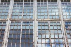 Grande fenêtre en bois antique Photo libre de droits