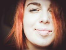 Grande fine su del fronte dai capelli rossi del ` s della donna Fotografia Stock Libera da Diritti
