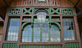Grande finestra di legno Fotografie Stock Libere da Diritti