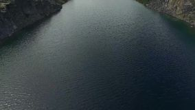 Grande fiume nell'Alaska stock footage