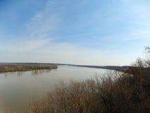 Grande fiume in primavera Immagine Stock