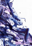 Grande fondo astratto dell'acquerello Macchie vive della spazzola, punti e punti a mano libera blu e porpora su carta strutturata Fotografie Stock