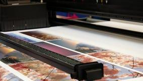 Grande funzionamento del getto di inchiostro di formato della stampante archivi video