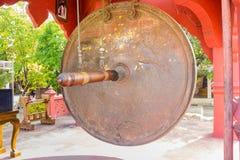 Grande gong ad un tempio buddista immagine stock libera da diritti