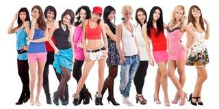 Grande grupo de mulheres novas imagem de stock