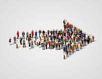 Grande grupo de pessoas aglomerado no símbolo da seta Maneira ao conceito do negócio do sucesso ilustração do vetor