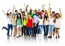 Grande grupo de pessoas que comemora o conceito da comunidade Imagens de Stock Royalty Free