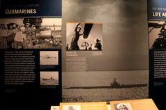 Grande histoire de bâche d'affiche des sous-marins dans le musée célèbre du ressortissant WWII, la Nouvelle-Orléans, 2016 Photographie stock libre de droits