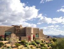 Grande HOME bonita do estilo de Adobe imagens de stock royalty free