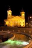 Grande igreja reformada na noite Debrecen, Hungria Foto de Stock Royalty Free