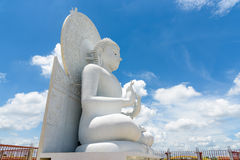 Grande image blanche de Bouddha dans Saraburi, Thaïlande Photo stock