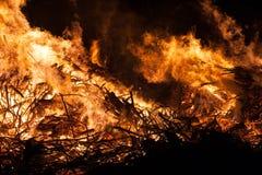 Grande inferno rosso ed arancio del fuoco, Fotografie Stock Libere da Diritti