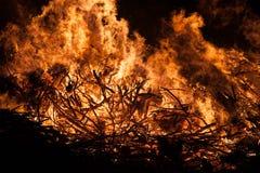 Grande inferno rosso ed arancio del fuoco, Immagine Stock