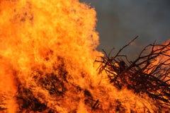 Grande inferno rosso ed arancio del fuoco, Fotografia Stock