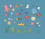 Grande insieme del marinaio Tema del mare Stelle marine sveglie della tartaruga del fumetto, pesce divertente, meduse e cavallucc immagini stock