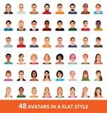 Grande insieme di vettore degli avatar degli uomini e delle donne in uno stile piano illustrazione di stock