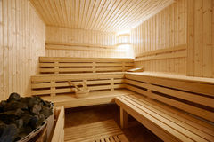 Grande interior da sauna do Finlandia-estilo foto de stock royalty free