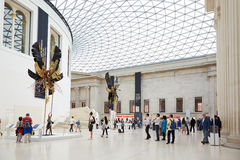 Grande interno della corte di British Museum, la gente a Londra Fotografia Stock Libera da Diritti
