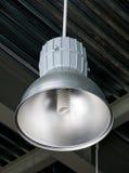 Grande lâmpada para a iluminação industrial do salão Imagens de Stock Royalty Free