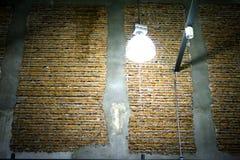 Grande lampe dans l'entrepôt Image stock