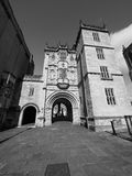 Grande loge du portier (Abbey Gatehouse) dans Bristol en noir et blanc images stock