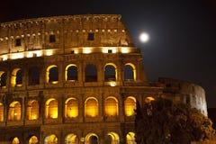 A grande lua de Colosseum detalha Roma Italy Imagens de Stock Royalty Free