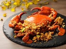 Grande macro rossa del granchio Granchio cucinato e servito su un piatto Frutti di mare - granchio arrostito fotografia stock libera da diritti