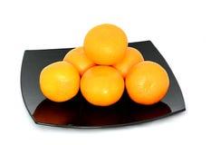 Grande, maduro, brilhante, tangerina em um fundo branco, fruto suculento no fundo isolado mandarin fotos de stock