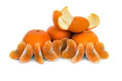 Grande, maduro, brilhante, tangerina em um fundo branco, fruto suculento no fundo isolado mandarin imagem de stock