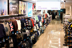 Grande magazzino dell'abbigliamento Fotografia Stock