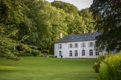 Grande maison blanche de terre Photographie stock